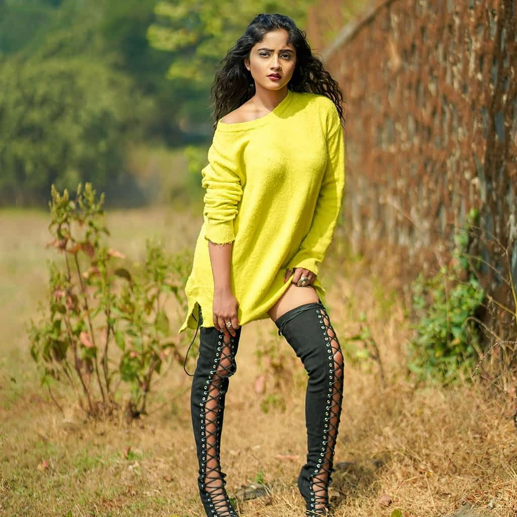 Nisha Guragain Hot   20 Beautiful, Gorgeous & Stunning Photos