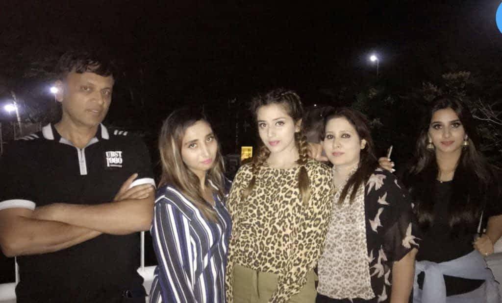 Jannat Mirza family, sister