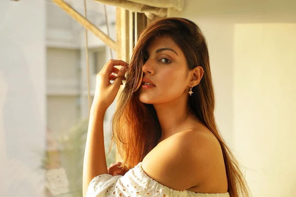 Rhea Chakraborty Age, Wiki, Boyfriend, Photos & More