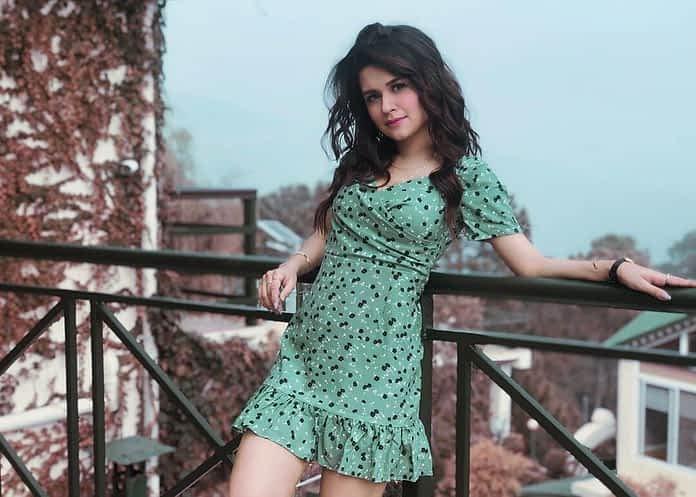 Avneet Kaur Age, Height, Wiki, Photos, Instagram, Boyfriend