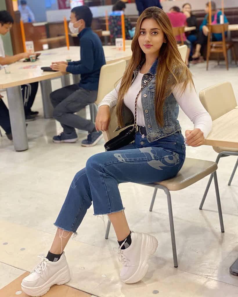 Jannat Mirza height, weight