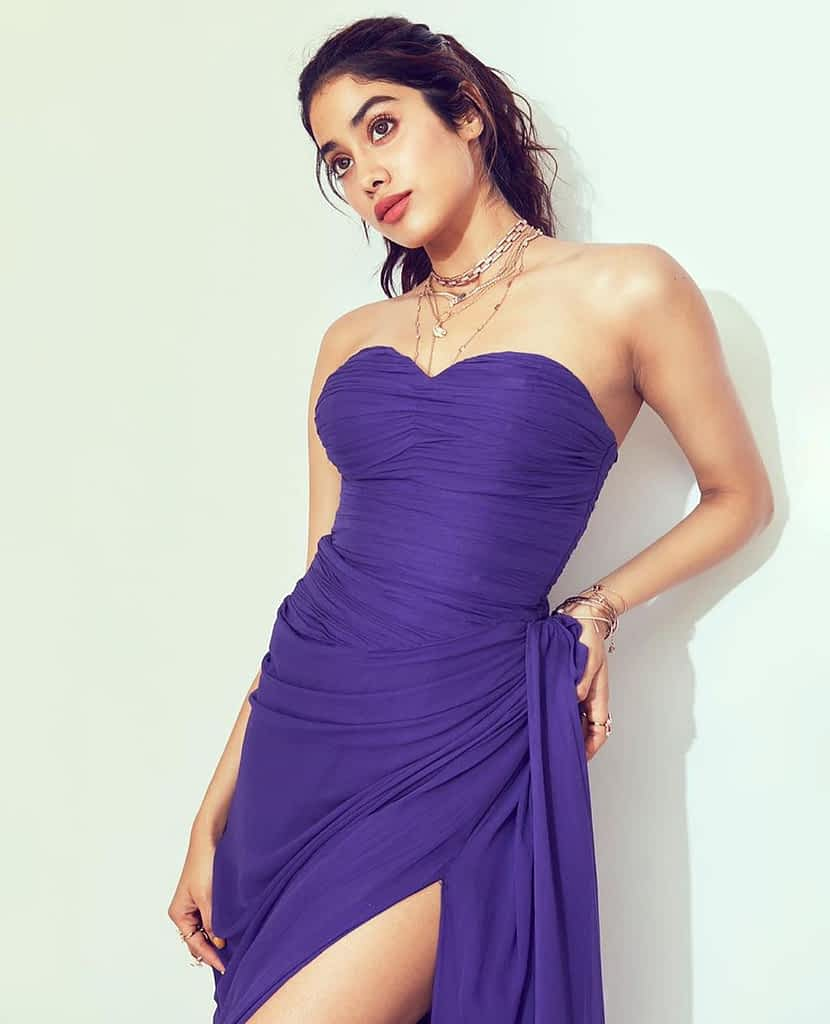 Jhanvi Kapoor Hot & Bold Photos